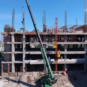 Sewa Lift Barang Kapasitas 1 – 2 Ton